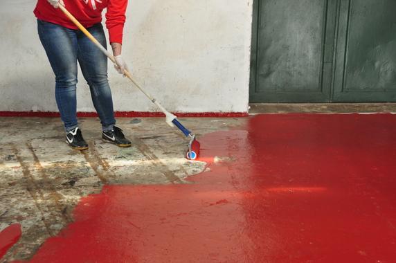 Przygotowanie podłoża pod farbę do betonu